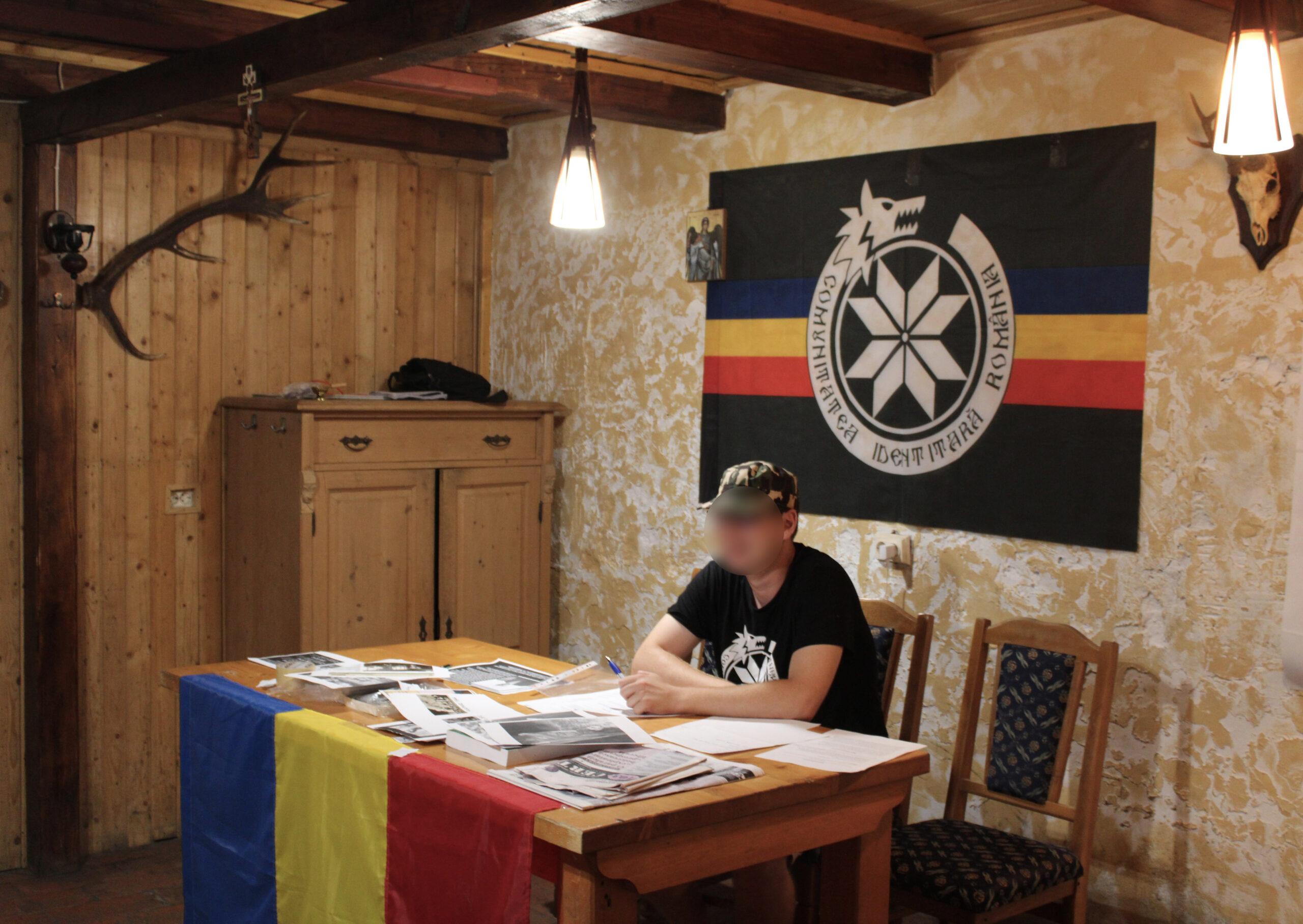 camaraderie și naționalism
